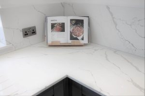 Calacatta Quartz Worktops - Joint Example
